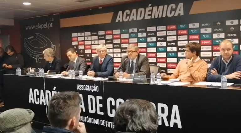 Jornal Campeão: Académica/OAF com passivo de 7,5 milhões recua na criação de SAD
