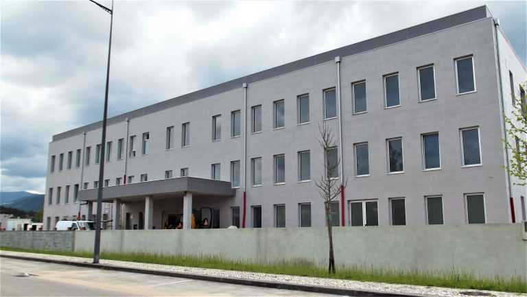 Jornal Campeão: Miranda do Corvo: Ex-ministros da Saúde visitam o Hospital Compaixão