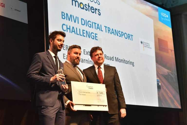 """Jornal Campeão: 'Startup"""" de Coimbra vence 'Óscar do Espaço' com aplicação rodoviária"""