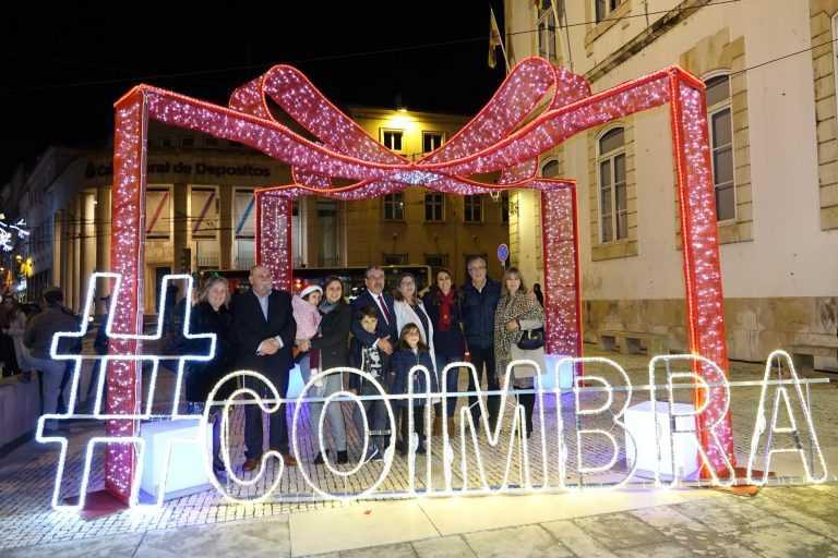 Jornal Campeão: Coimbra celebra época festiva com pista de gelo e carrossel parisiense