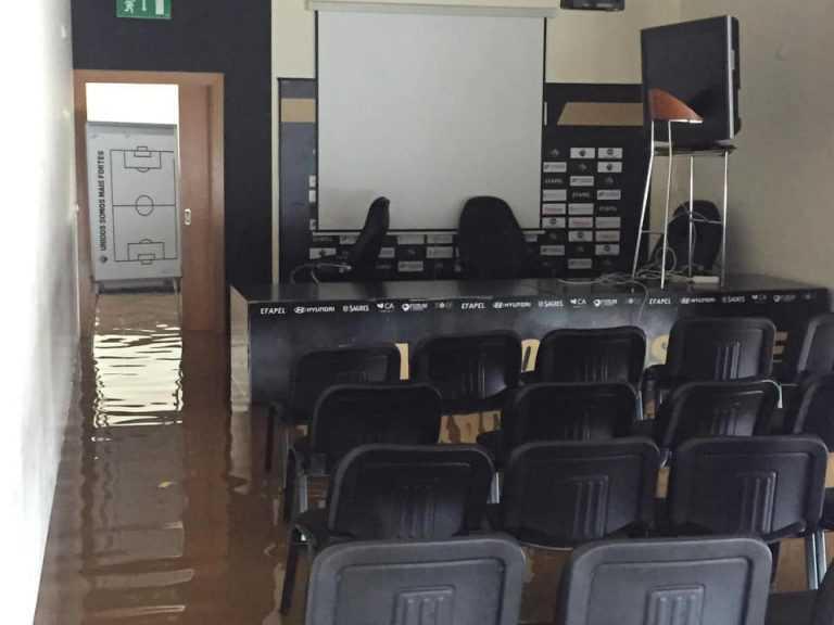 Jornal Campeão: Académica abre conta solidária para recuperar Academia Briosa XXI