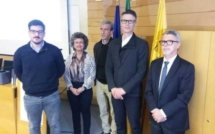 O investigador premiado José Augusto de Oliveira Gonçalves; Isabel Carreira (CIMAGO); Vítor Rodrigues (LPCC); Arnaldo Figueiredo (orientador); Carlos Robalo Cordeiro (FMUC)
