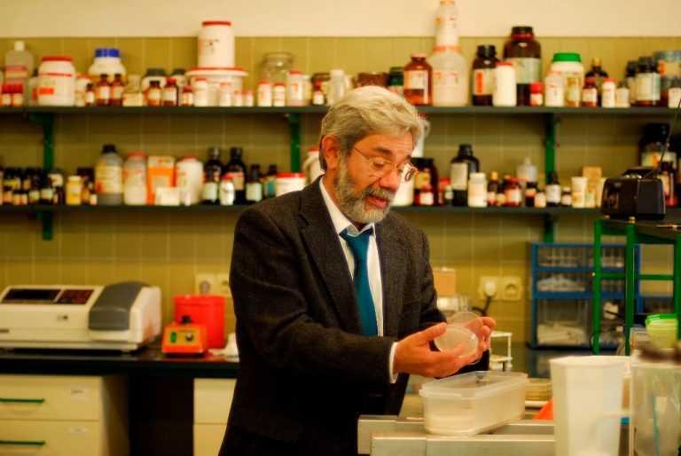 Jornal Campeão: Faleceu Milton Costa, professor catedrático da FCTUC