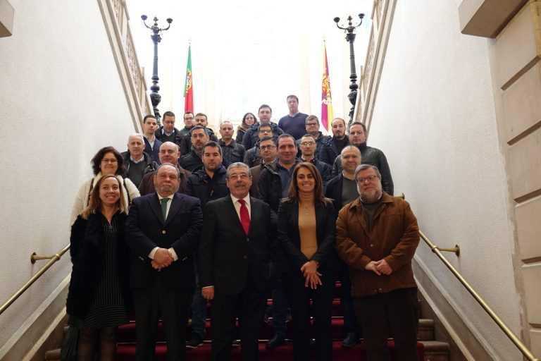 Jornal Campeão: Novos 16 motoristas para os SMTUC assinaram hoje contrato