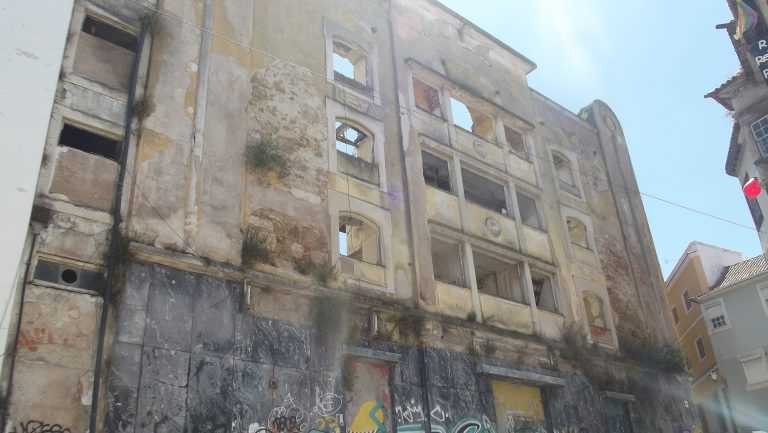Jornal Campeão: Teatro Sousa Bastos será reabilitado para habitação e espaço cultural