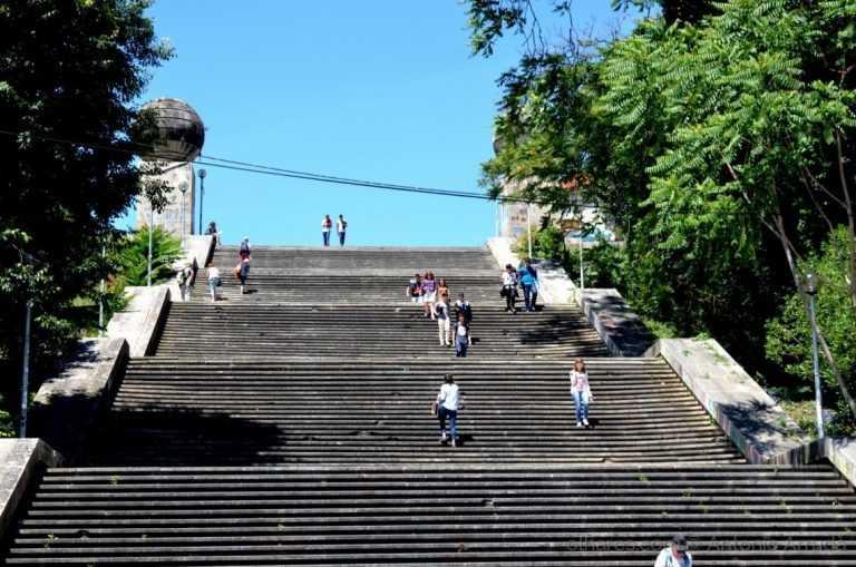 Jornal Campeão: Elevador nas Escadas Monumentais já tem projecto de arquitectura