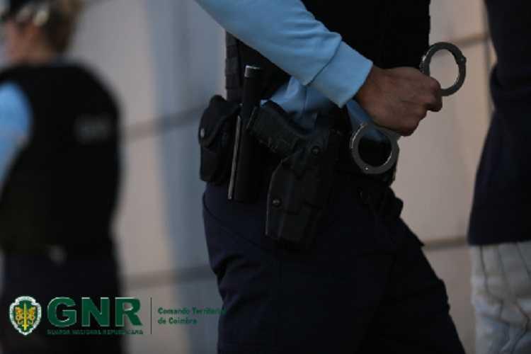 Jornal Campeão: Penacova: Cinco homens detidos por furtos a residências