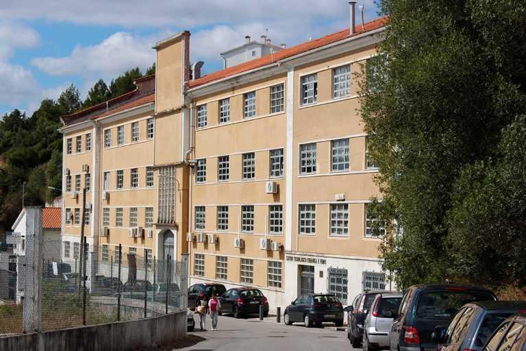 Jornal Campeão: Centro Tecnológico da Cerâmica e do Vidro produzem viseiras para o CHUC