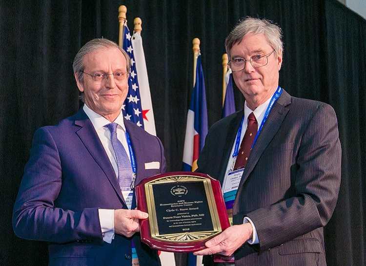 Jornal Campeão: Duarte Nuno Vieira distinguido por Academia Americana