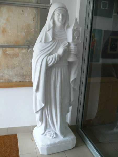 Santa Clara estátua