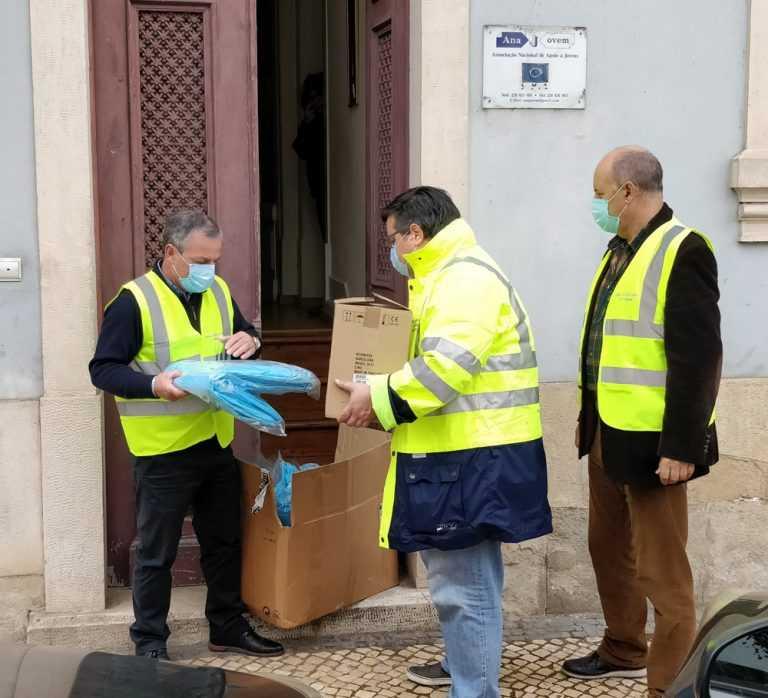 Jornal Campeão: UF de Coimbra distribui equipamentos de protecção individual a IPSS's