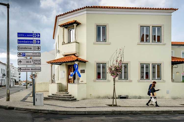 Jornal Campeão: CPCJ de Condeixa desafia famílias a construírem laço azul