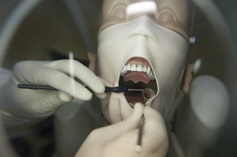 Jornal Campeão: Centro de Investigação da UC cria grupo de trabalho de Medicina Dentária