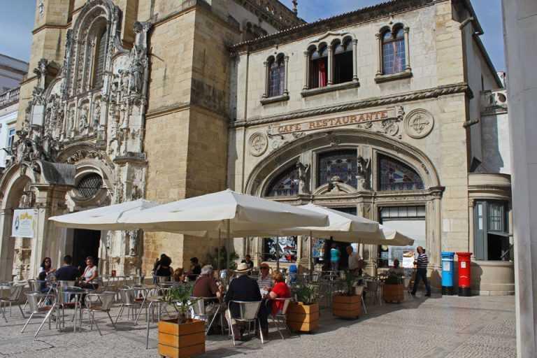 Jornal Campeão: Associação dos Cafés com História de Portugal nomeada para prémio europeu