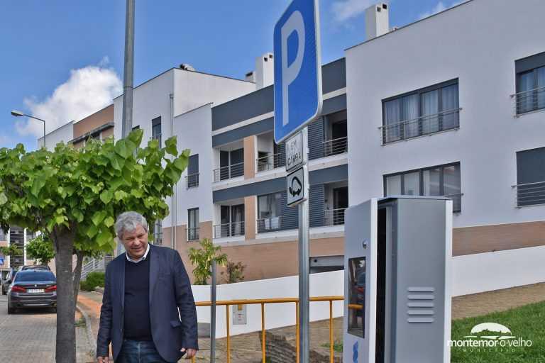 Jornal Campeão: Primeiro posto de carregamento para veículos eléctricos foi instalado em Pereira