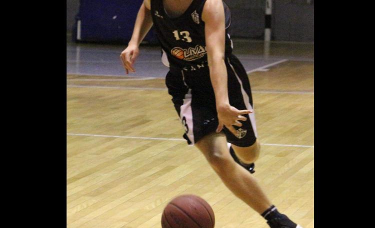 Jornal Campeão: Olivais retoma actividades de basquetebol com algumas limitações