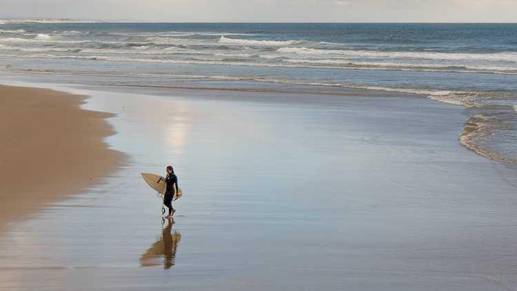 Jornal Campeão: Liga de surf recomeça na Figueira da Foz com medidas de segurança reforçadas