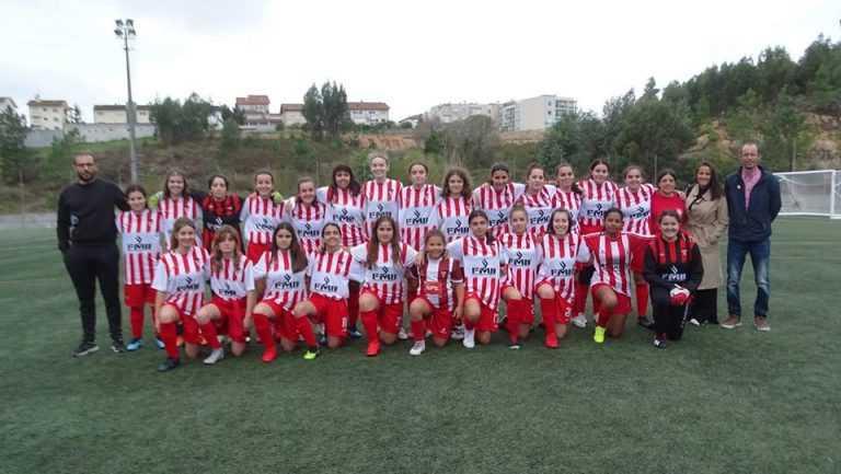 Jornal Campeão: Futebol feminino continua a ser jogado no Esperança, agora com equipa sénior