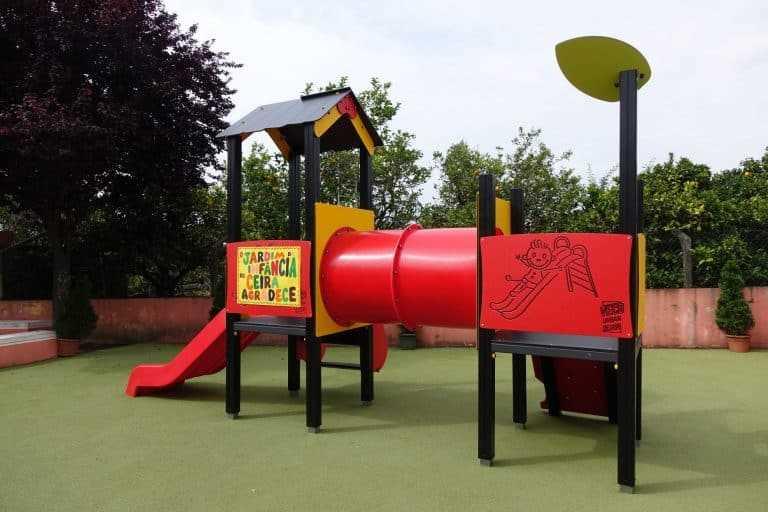 Jornal Campeão: Jardins de infância de Coimbra reabrem com novos parques infantis