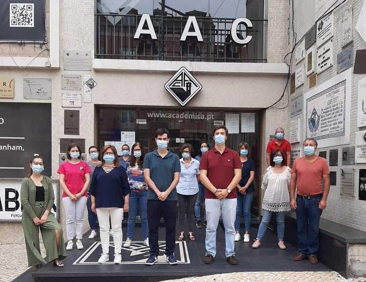 Jornal Campeão: AAC reabre o seu edifício à comunidade académica mas com restrições de frequência
