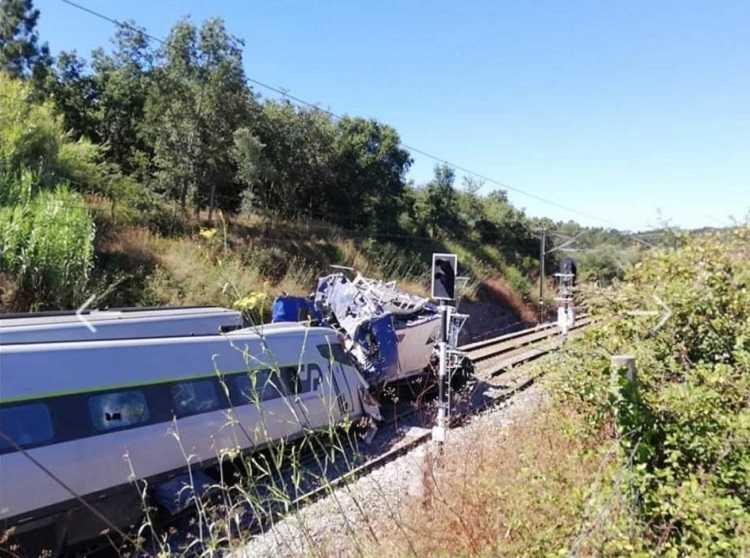 Jornal Campeão: Acidente em Soure com comboio Alfa Pendular causou dois mortos