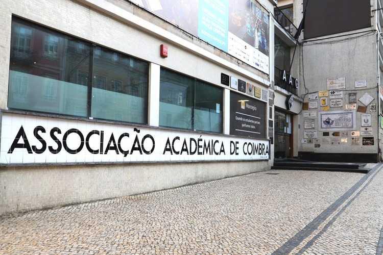 Jornal Campeão: Associação Académica de Coimbra defende novas medidas para o Ensino Superior