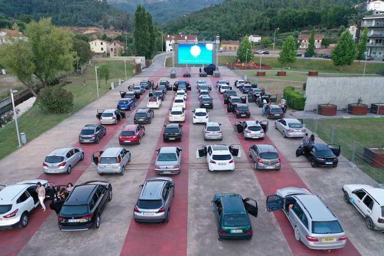 Jornal Campeão: Cinema 'Drive-In' em Arganil promoveu produtos endógenos