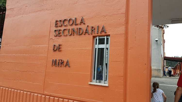 Jornal Campeão: Mira disponível para apoiar requalificação de escola secundária