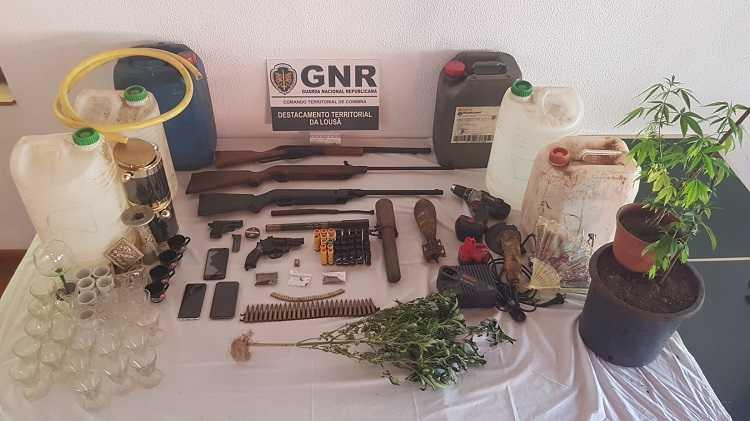 Jornal Campeão: GNR deteve duas pessoas por furtos na Lousã e em Vila Nova de Poiares