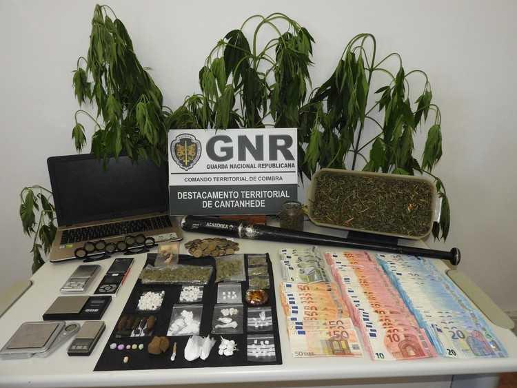 Jornal Campeão: Cantanhede: GNR deteve sete homens e uma mulher por tráfico de droga