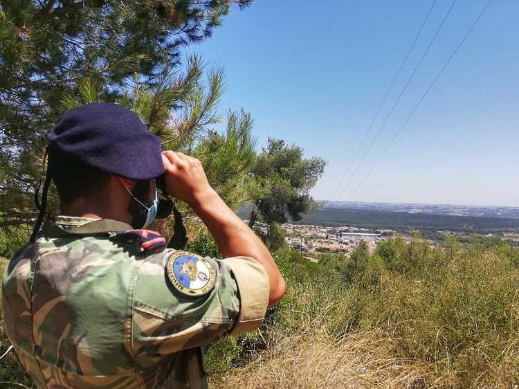 Jornal Campeão: Exército e Marinha mobilizam 126 militares para a prevenção de incêndios