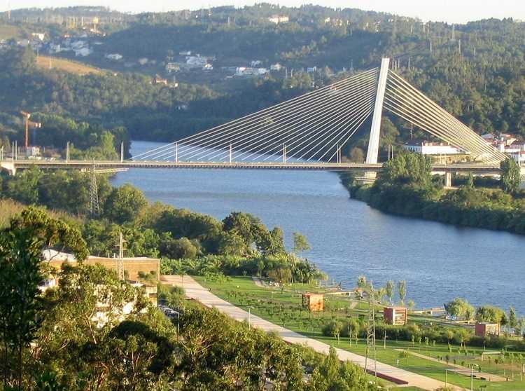 Jornal Campeão: Festas da Cidade de Coimbra sem fogo-de-artifício mas com iluminações