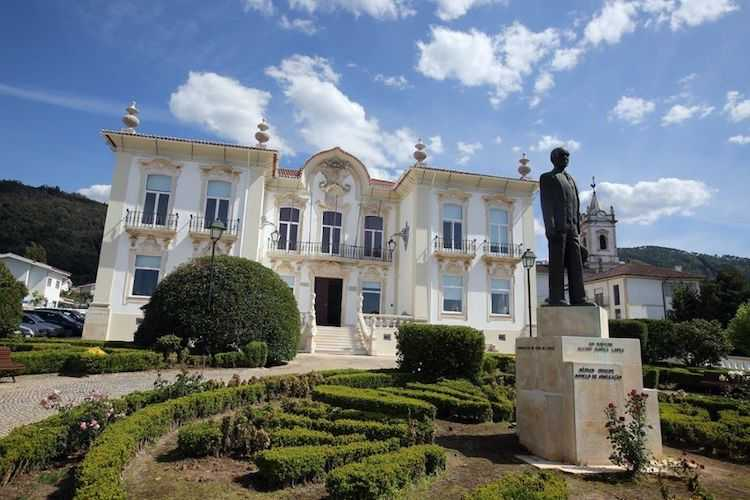 Jornal Campeão: Câmara da Lousã adquiriu novos veículos para os bombeiros