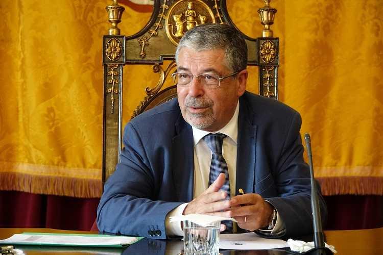 Jornal Campeão: CM de Coimbra quer ajudar munícipes e comércio local na Páscoa