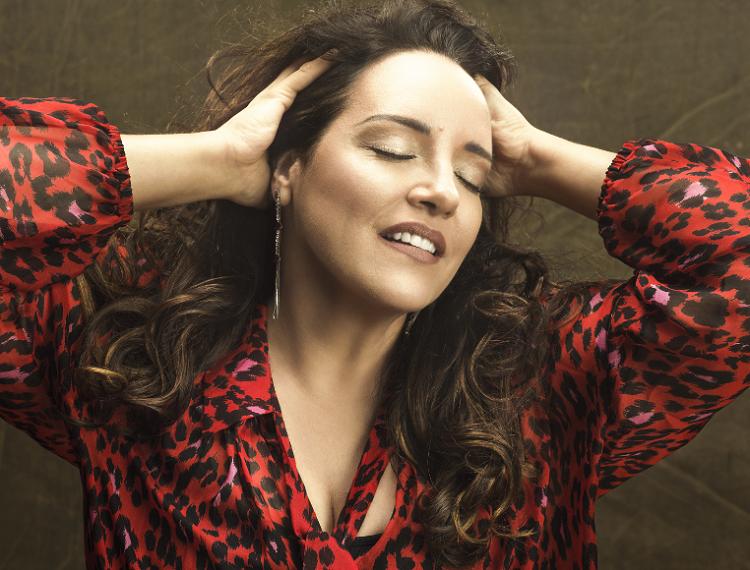 Jornal Campeão: Ana Carolina adia concerto no Convento São Francisco para 07 de Junho de 2021