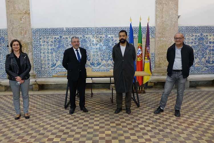 Jornal Campeão: José Pedro Croft inaugura exposição em Santa Clara-a-Nova com apoio da Câmara