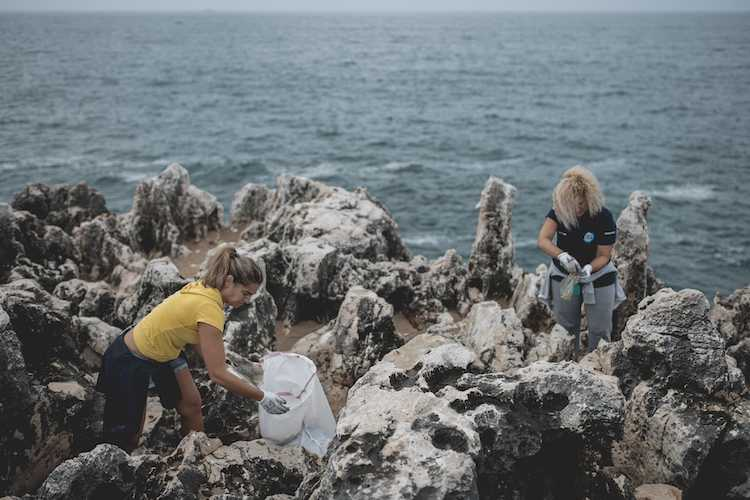 Jornal Campeão: Fundação Oceano Azul desafia a limpar lixo marinho