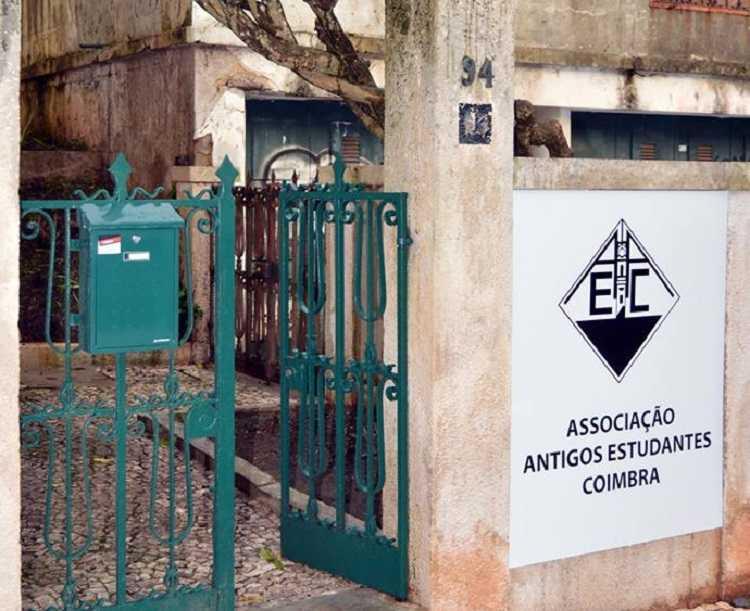 Jornal Campeão: Eleições para a Associação dos Antigos Estudantes de Coimbra