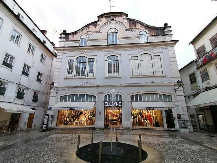Jornal Campeão: Câmara de Coimbra adquiriu por um milhão de euros o prédio do Salão Brazil