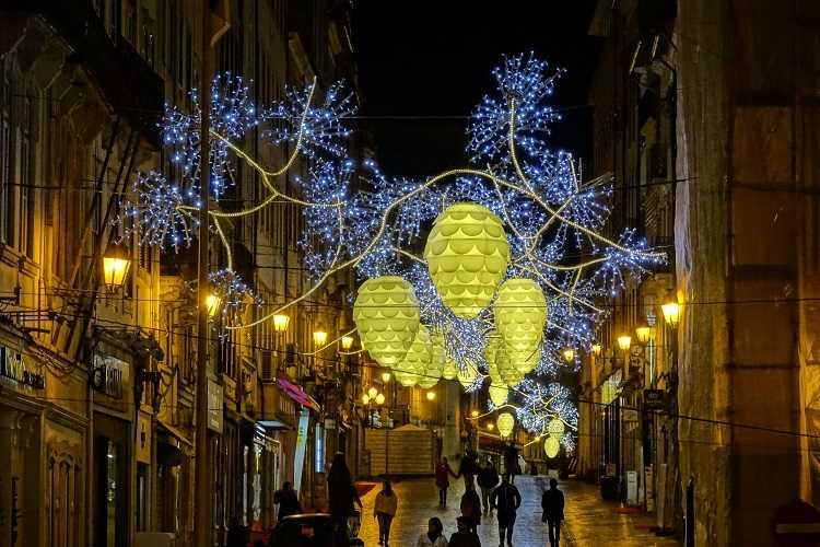 Jornal Campeão: Coimbra vai ter 420 000 luzes de Natal já em Novembro