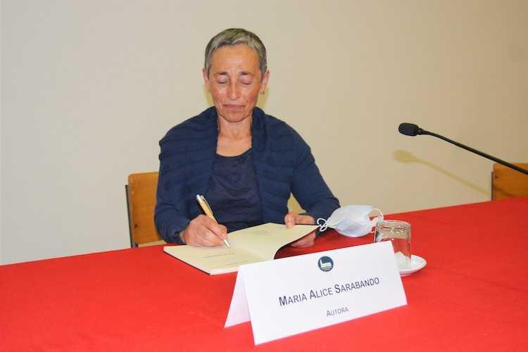 Jornal Campeão: Livro de Maria Alice Sarabando apresentado na Biblioteca Municipal de Cantanhede