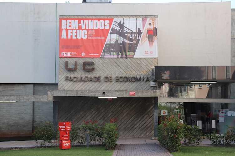 Jornal Campeão: FEUC celebra 48.º aniversário em formato online
