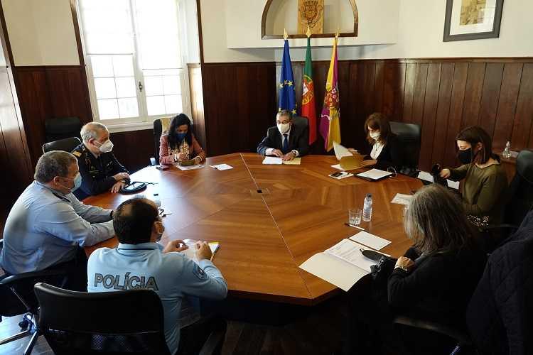 Jornal Campeão: Coimbra determina horário de funcionamento de comércio e serviços no fim-de-semana