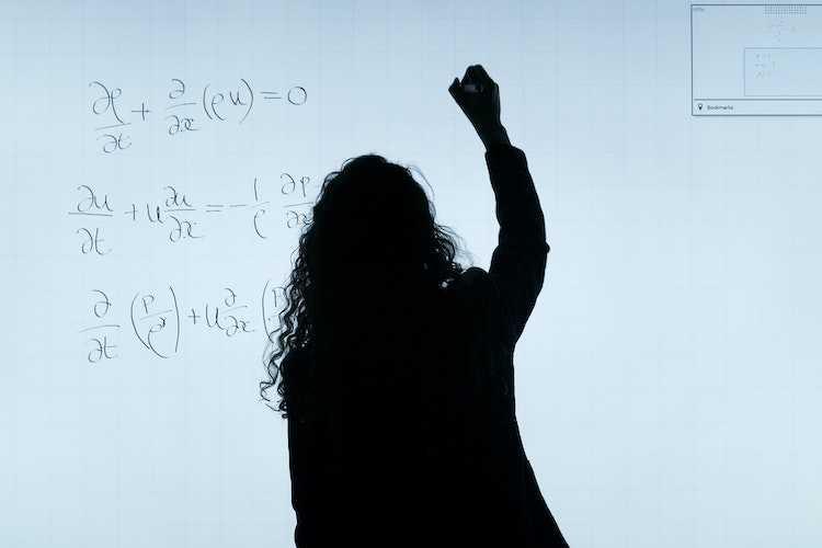 """Jornal Campeão: Museu da Ciência da UC promove """"Tardes de Matemática"""""""