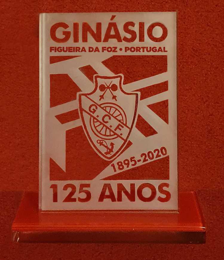 Jornal Campeão: Ginásio Figueirense tem peça de vidro que assinala os 125 anos
