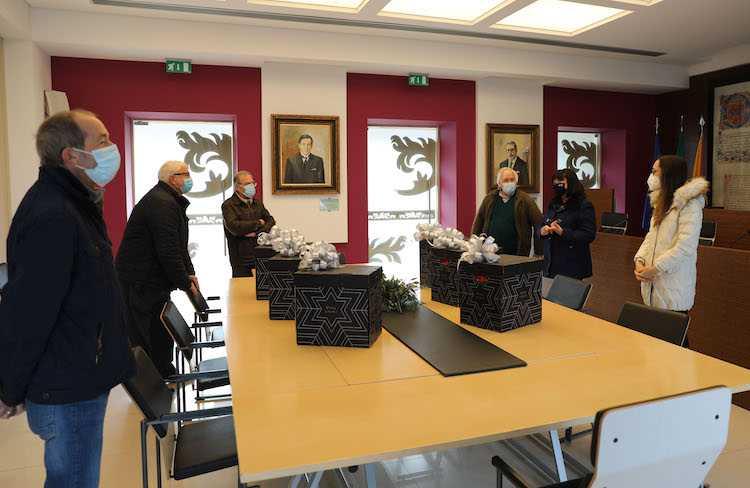 Jornal Campeão: Sociedade de São Vicente de Paulo e Câmara de Cantanhede distribuem cabazes de Natal