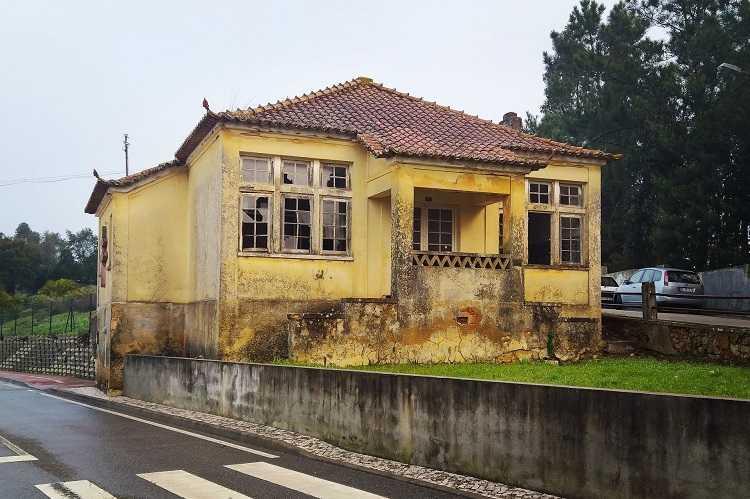 Jornal Campeão: Câmara Municipal de Anadia pretende assumir a gestão dos antigos edifícios dos SLAT