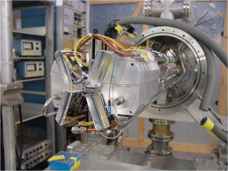 """Jornal Campeão: UC: Cientistas medem tamanho do núcleo do hélio com """"precisão sem precedentes"""""""
