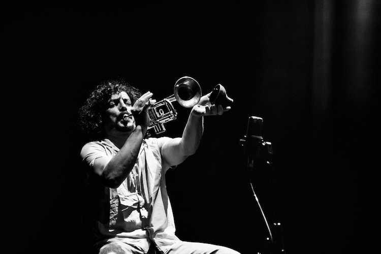 Jornal Campeão: Liquidâmbar com sessões de jazz nos próximos dias