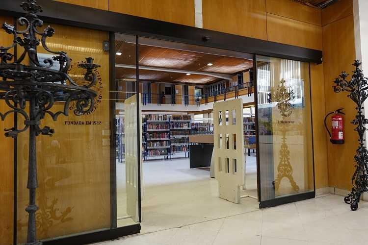 """Jornal Campeão: Biblioteca Municipal de Coimbra entrega livros em """"take-away"""""""